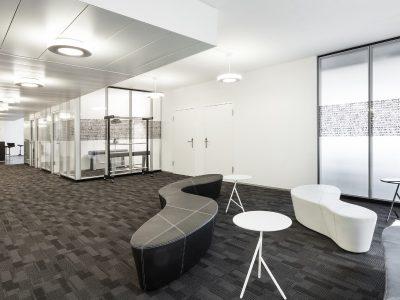 Clean_Modern_Office_Space
